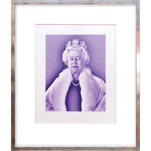 Lightness of Being Crystal Edition. [Queen Elizabeth II.]