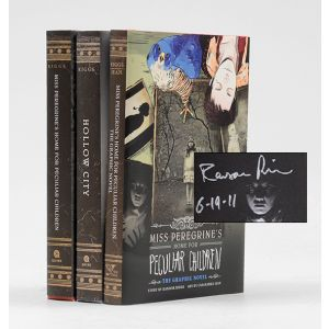 Miss Peregrine's Home For Peculiar Children; Hollow City; Miss Peregrine's Home For Peculiar Children The Graphic Novel.