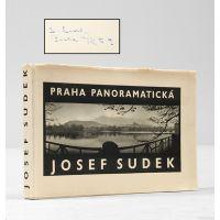 Praha panoramatická.